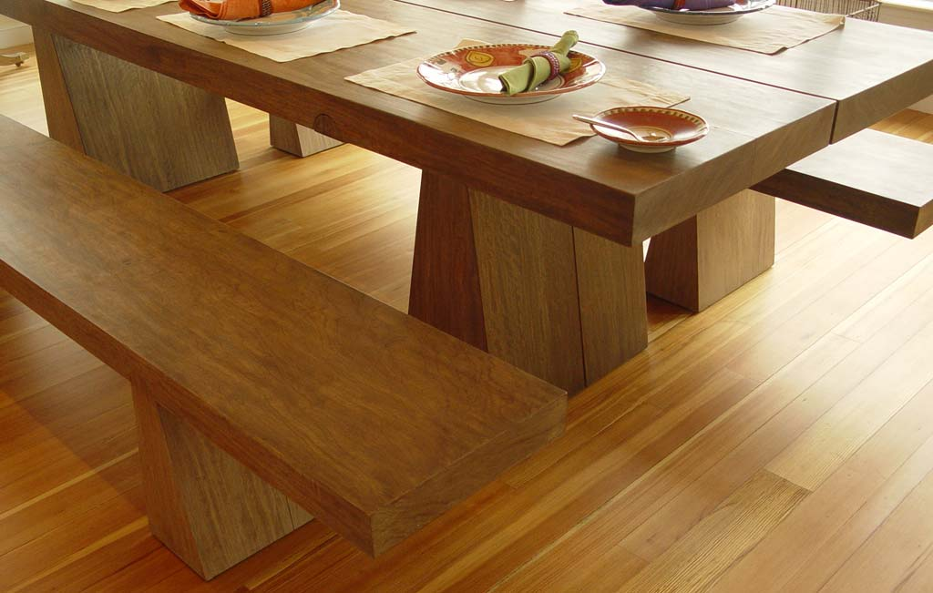 Old Greenwich Modern Table Detail